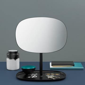 Doppel-Funktion - Spiegel und Ablage mit dem Flip Spiegel in Schwarz von Normann Copenhagen