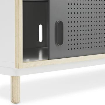Sideboard mit perforierten Löchern