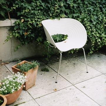 Vitra - Tom Vac, Ambientebild im Garten