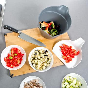Royal VKB - Chop Organizer, weiß - mit geschnittenem Gemüse