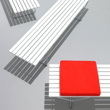Bertoia Outdoor Bank von Knoll aus Acrylstein und geschweißtem Stahlrohr mit Rilsan-Beschichtung in Weiß