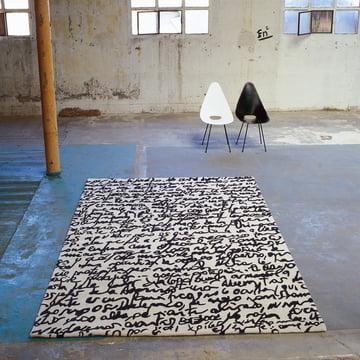 "nanimarquina - Black on white Teppich ""Manuscrit"""