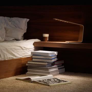 Led 1 Tischleuchte läd zum Lesen im Bett ein