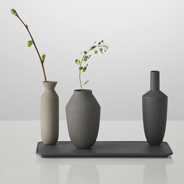 Muuto - Balance Vase (3 Vasen-Set), schwarz mit Blumen
