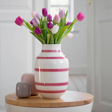 Keramik-Vase für bunte Tulpen