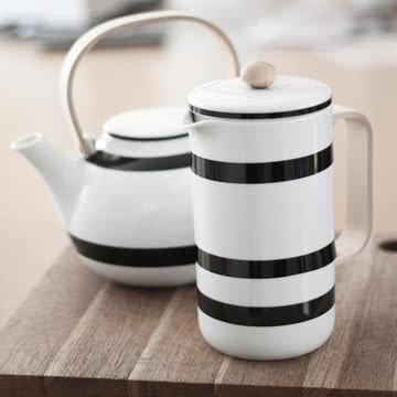 Kaffeepresse und Teekanne von Kähler Design