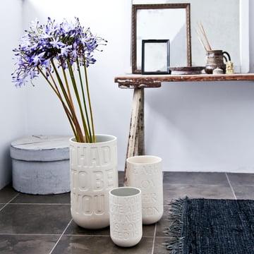 Dezente Blumenvase mit liebevollen Details
