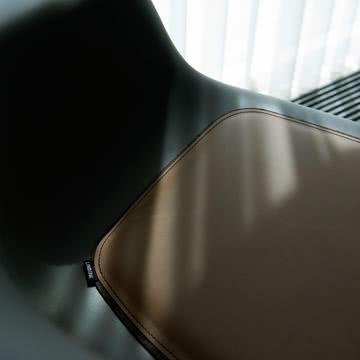 Sitzkissen von LindDNA für Eames Chair & Hay Chair