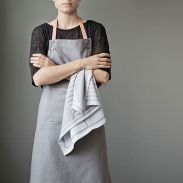 Küchenschürze Apron von ferm Living mit Outline Geschirrtuch