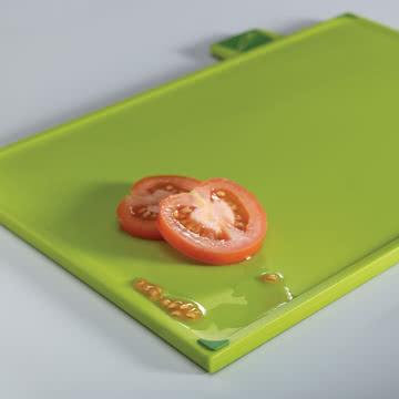 Schneidebrett für Gemüse aus dem Index Steel Schneidebretter 4er-Set von Joseph Joseph