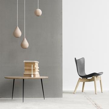 Shell Lounge Chair von Mater aus geseifter Eiche und schwarzem Leder