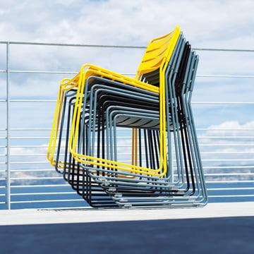 Stapelbarer Stuhl für den Außenbereich