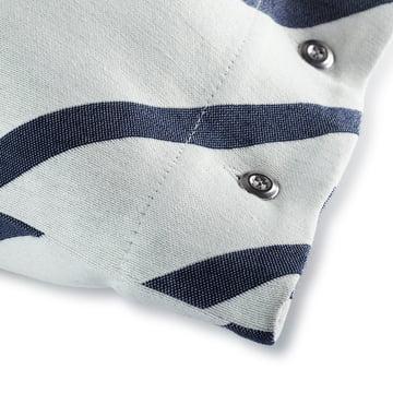 Der Mint Kissenbezug von Marimekko mit den Maßen 40 x 60 cm in grauweiß / dunkelblau