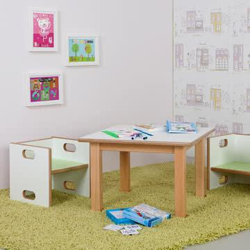 debe.detail Tisch und Stuhl: aufeinander abgestimmt