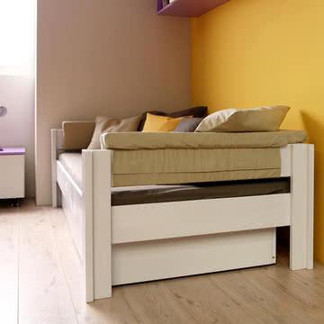 Basis-Liege mit Bettkästen von De Breuyn