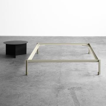 Connect Bett von Leif Jørgensen für Hay und der Slit Table Round