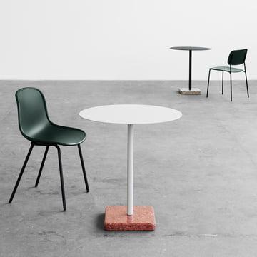 Der Hay - Terrazzo Tisch rund, der Neu13 Stuhl und der Soft Stuhl