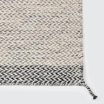 Der Ply Rug Teppich in weiß von Muuto