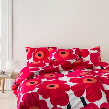 Unikko Decken- und Kopfkissenbezug von Marimekko mit rot-weißem Blumenmuster