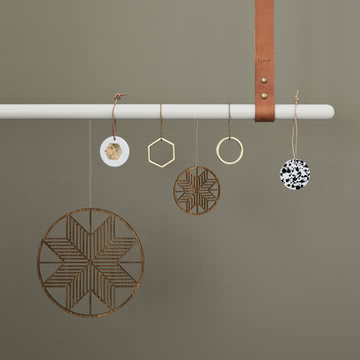 Wooden Crystal und Messing Ornamente