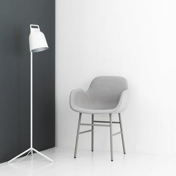 Form Armchair mit Stage Stehleuchte