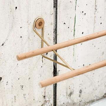 Shoe Rack von We Do Wood aus Bambus und Messing