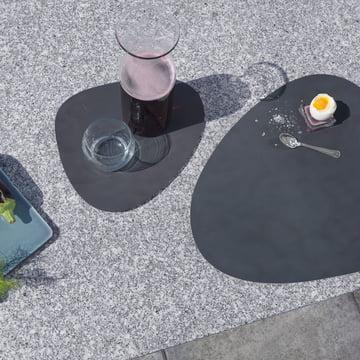 Graues Table Mat von LindDNA in Klein und Groß