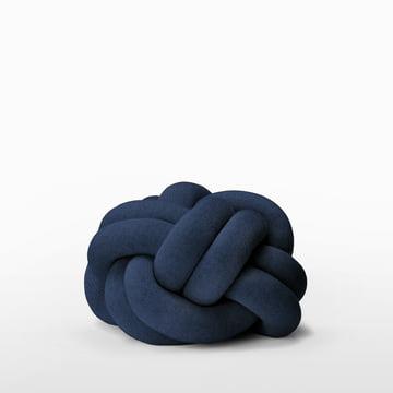 Das Knot Kissen von Design House Stockholm in der Farbe Navy