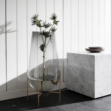 Échasse Vase und Plinth Cubic Beistelltisch von Menu