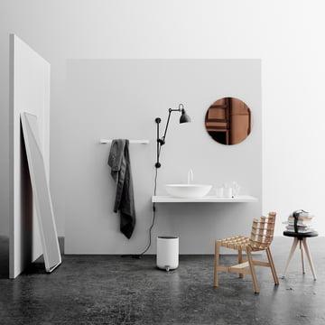 Der Norm Spiegel in Weiß für den Boden
