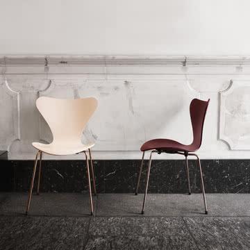 serie 7 stuhl jubil umseditionen 2017 von fritz hansen. Black Bedroom Furniture Sets. Home Design Ideas