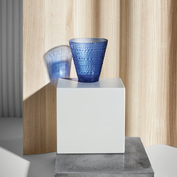 Kastehelmi Trinkglas von Iittala in Ultramarinblau