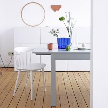 Blaue Aalto Vasen von Iittala als Tischdekoration