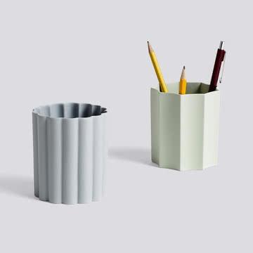 Die unterschiedlichen Iris Stifthalter von Hay