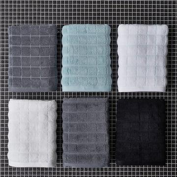 Tiles Badetuch und Handtuch von Juna