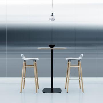 Form Barhocker mit Stehtisch von Normann Copenhagen