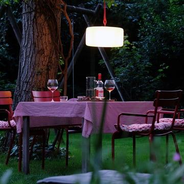 Akku-Beleuchtung mitten im Garten
