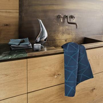 Das Georg Jensen Damask - Arne Jacobsen Geschirrtuch im Küchenabmiente