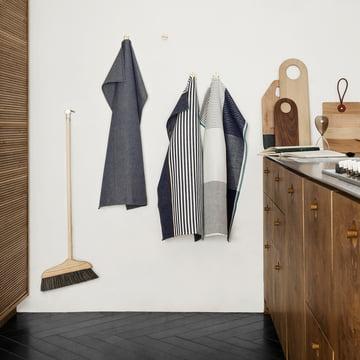 Abild Geschirrtuch von Georg Jensen Damask am Haken in der Küche