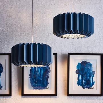 Pleats 154 Pendelleuchte M von Le Klint in Indigo Blue