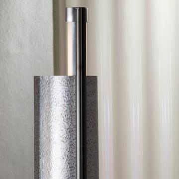 Die Pulpo - rl2 Stehleuchte in silber / schwarz im Detail
