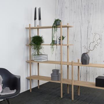 Das kommod - Stapla Regal mit Pflanzen dekoriert
