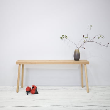 Die kommod - Baenkk Sitzbank dekorativ in Szene gesetzt