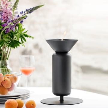 Die Northern - Poppy Tisch-Öllampe auf dem Tisch