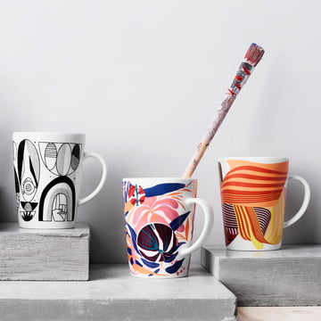 Die Iittala - Graphics Becher, 0.4 l stilvoll arrangiert