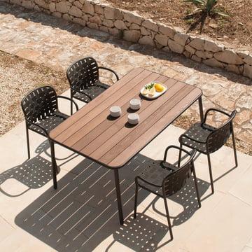 Der Emu - Yard Tisch und Armlehnstuhl