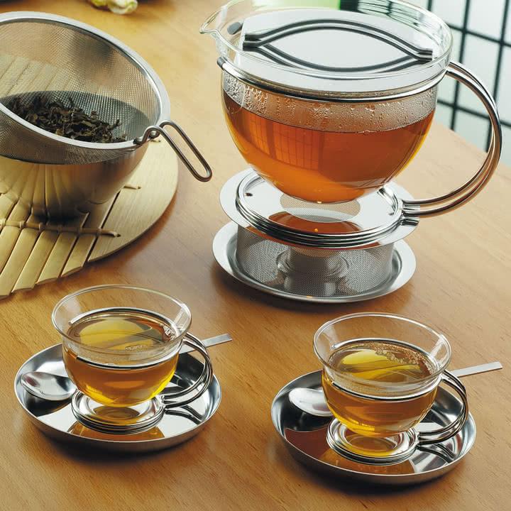 Die Vielfalt von Mono - Tee-Set-Kollektion