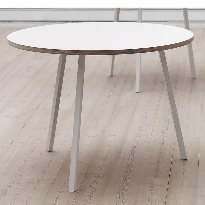 loop stand tisch rund von hay im shop. Black Bedroom Furniture Sets. Home Design Ideas