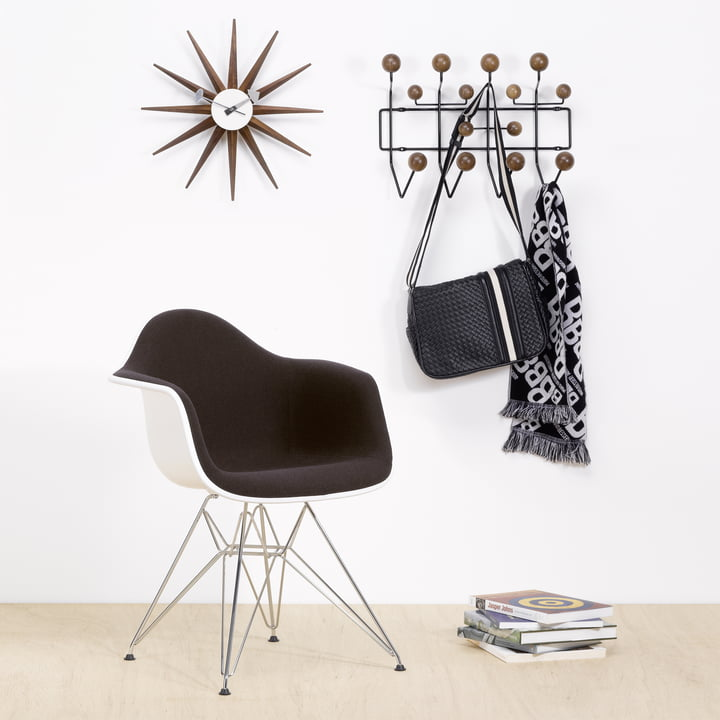 Vitra Hang it all Garderobe (Special Edition), Nussbaum/schwarz