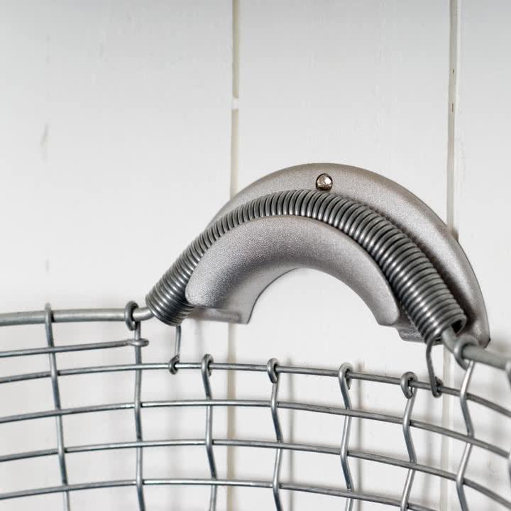 Basket Hanger für Bin Drahtkorb von Korbo